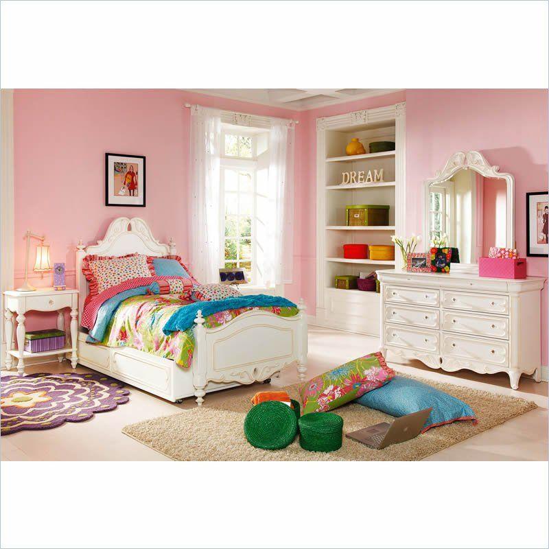 LEA Childrens Furniture Elite Vintage Boutique Panel Bed in Vintage White