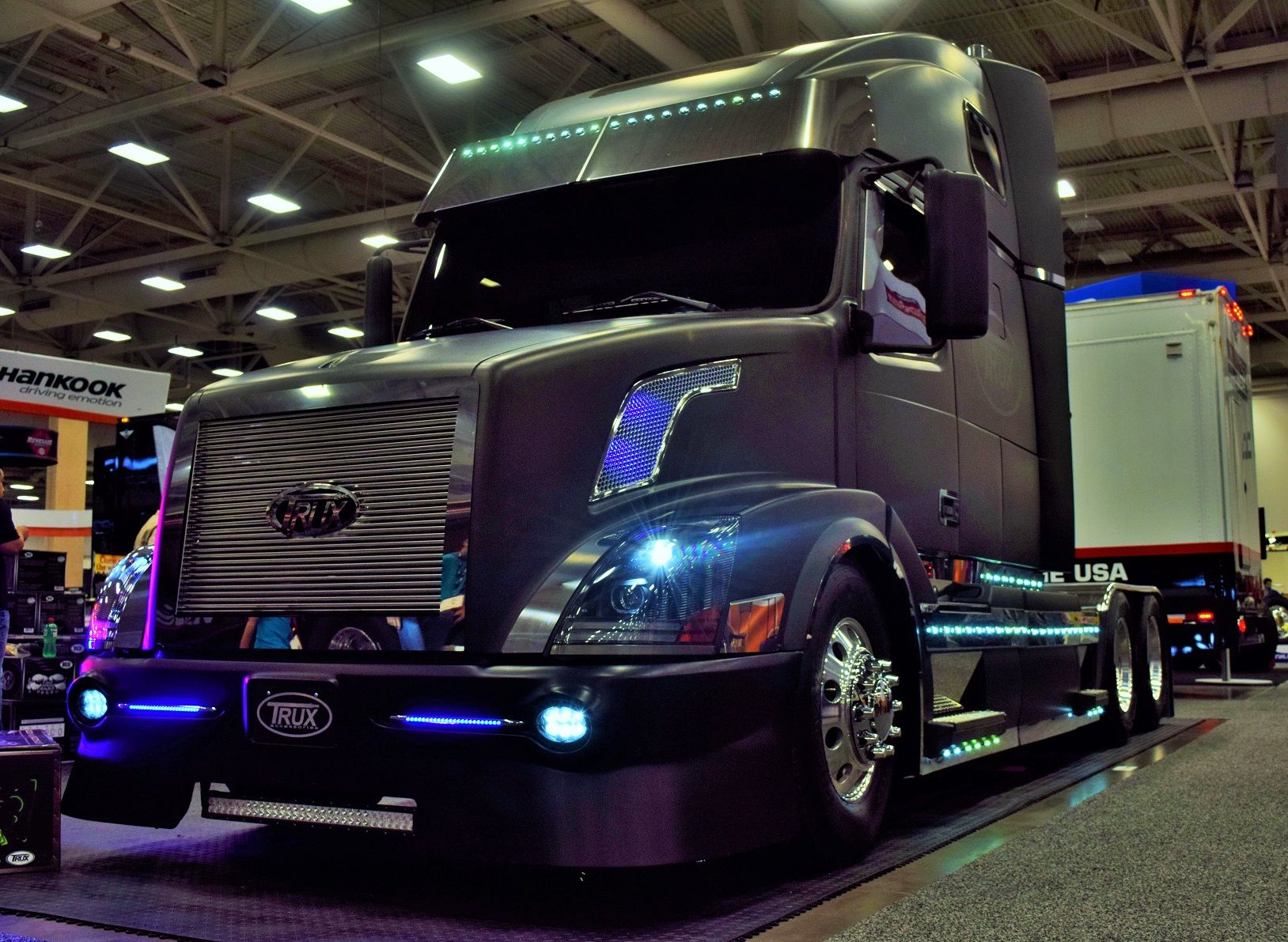 Volvo Fans This One S For You Trux Custom 06 Vnl 670 Volvo