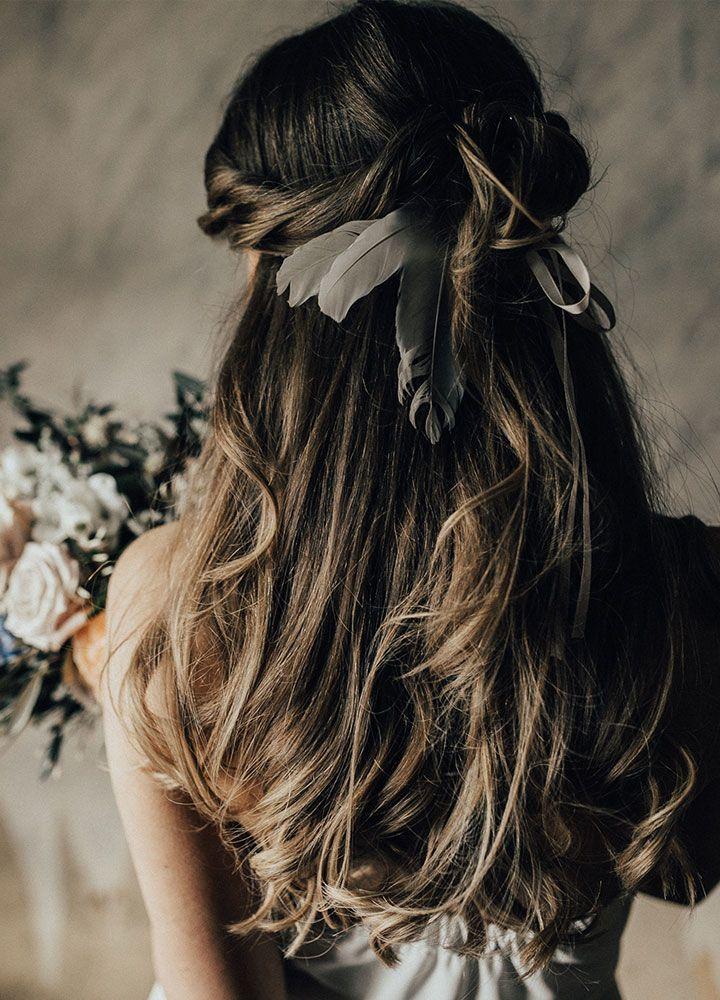 Boho half up half down wedding hairstyle inspiration | Bridal hair style ideas #halfuphalfdown #weddinghair #halfup #halfdown #bridalhair #hairstyles