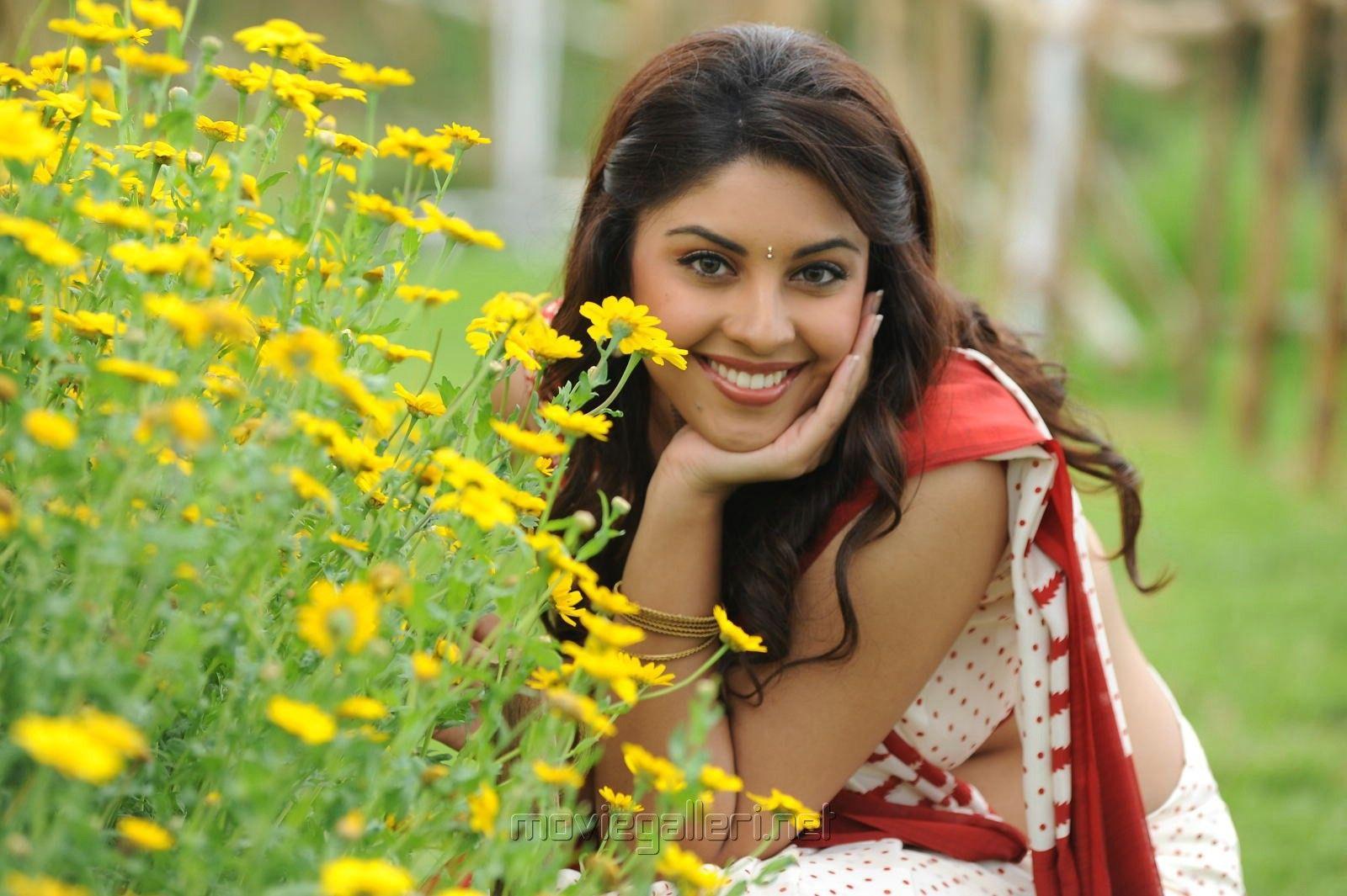 richa gangopadhyay high definition image telugu heroines | hd