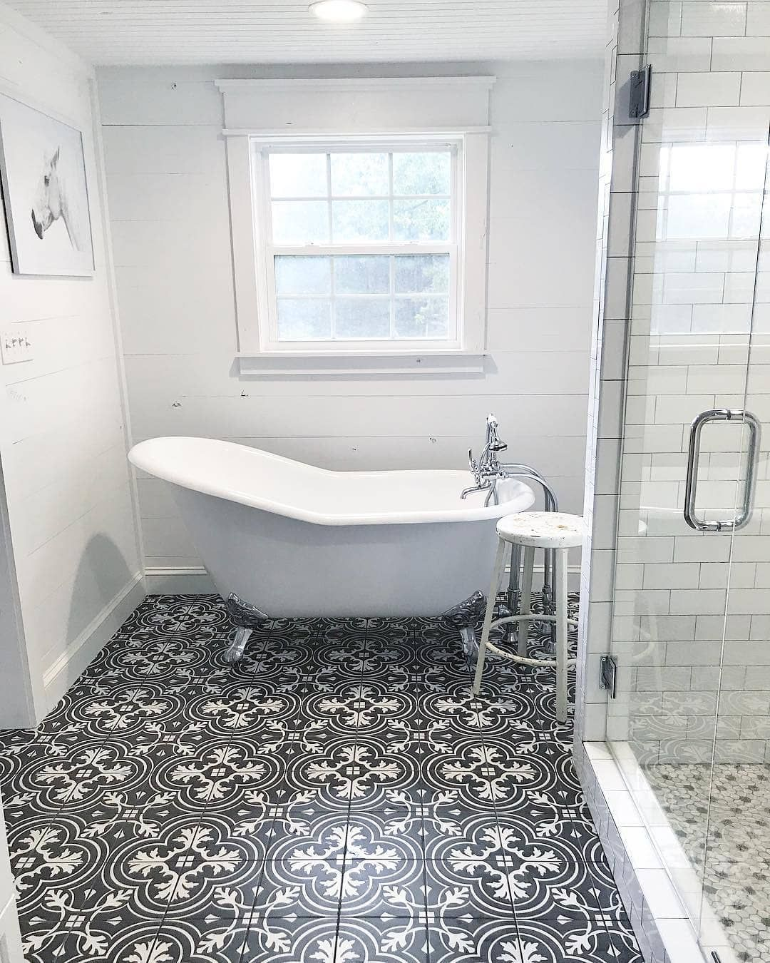 The Vintage Black And White Patterned Tile Adds An Extra Touch Of Character To This Beautiful Farmhouse B Black Bathroom Black Tile Bathrooms Bathroom Interior