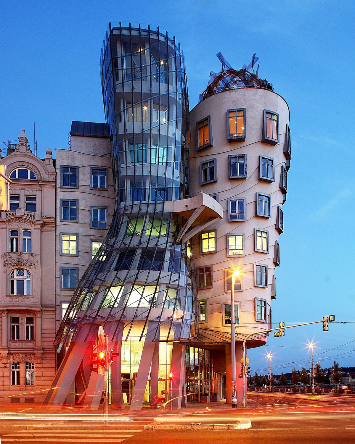 The Dancing House by Vlado Miluni & Frank Gehry
