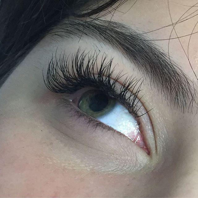 Individual lash set #americasbeautyshow #lashes # ...