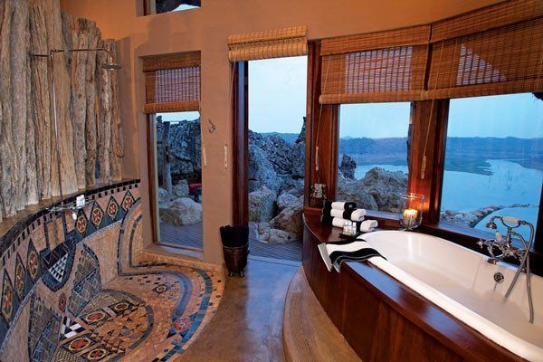 Extraordinary luxurious African game reserve: Singita in ...