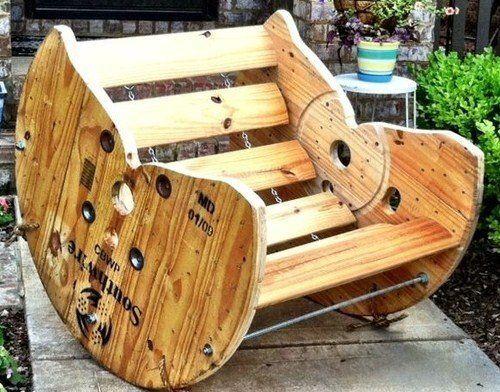 Chaise bascule carpinter a carrete de madera madera for Sillones de madera reciclada
