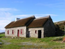 Dingle Way walking vacation in Ireland. Travel like a local, Inn to Inn walks