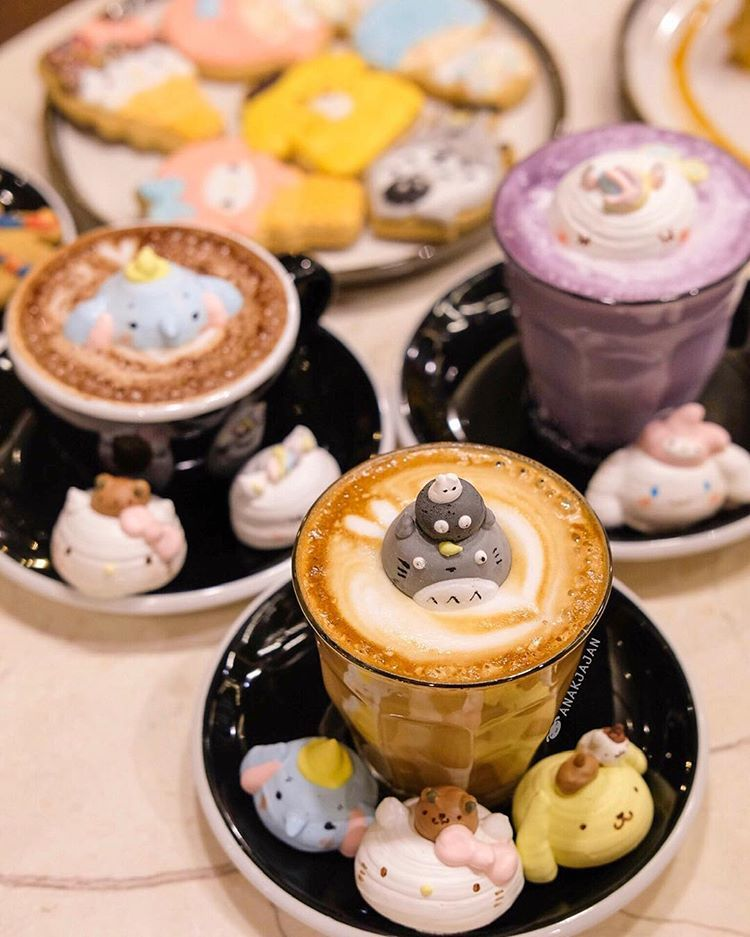 Kawaii Spotted Dumbo Floating On Hot Chocolate Amyreaartkitchen Moi Along With Other Kawaii Character Butter Cookies Meringue