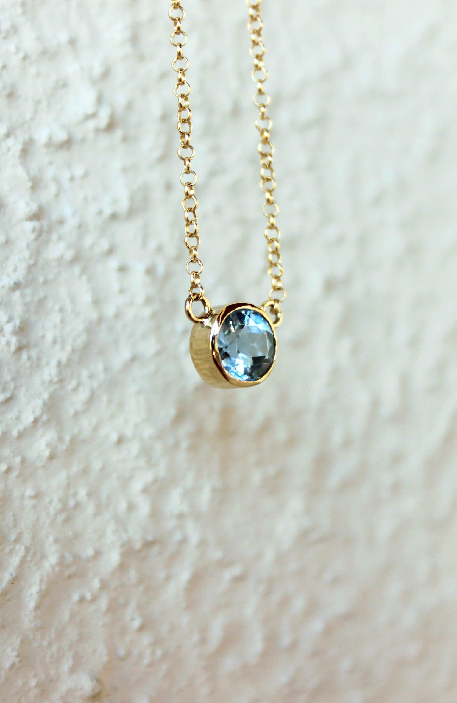 Delicada encomenda de joia feita à mão em ouro amarelo 18k, topázio azul e  corrente 60ab8d8cf7