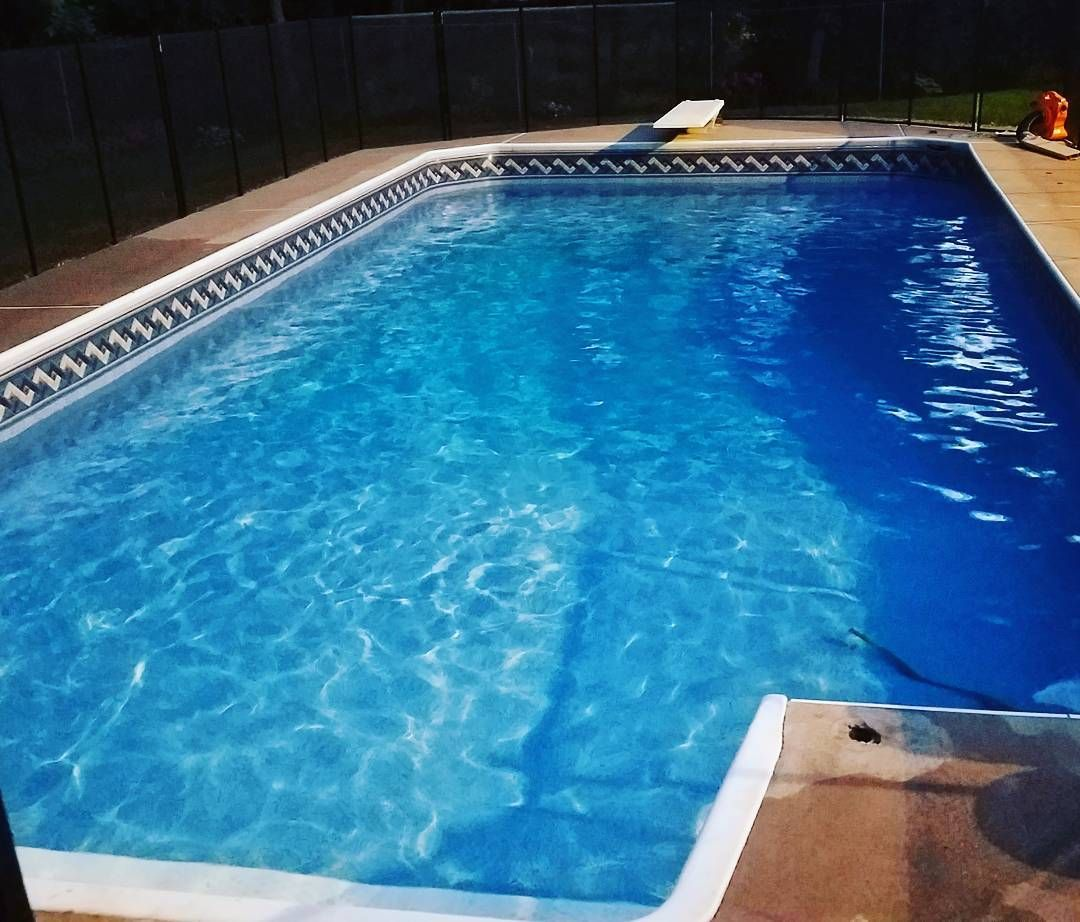 Last Pool Of The Day Want Water Now Call The King 1 962 236 3555 9pm Getthejobdone Waterdelivery Swimmingpool Gowater Water Delivery Pool Swimming Pools