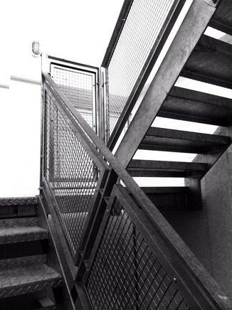 Best Galvanised Steel Staircase With Welded Wire Mesh Infill 400 x 300