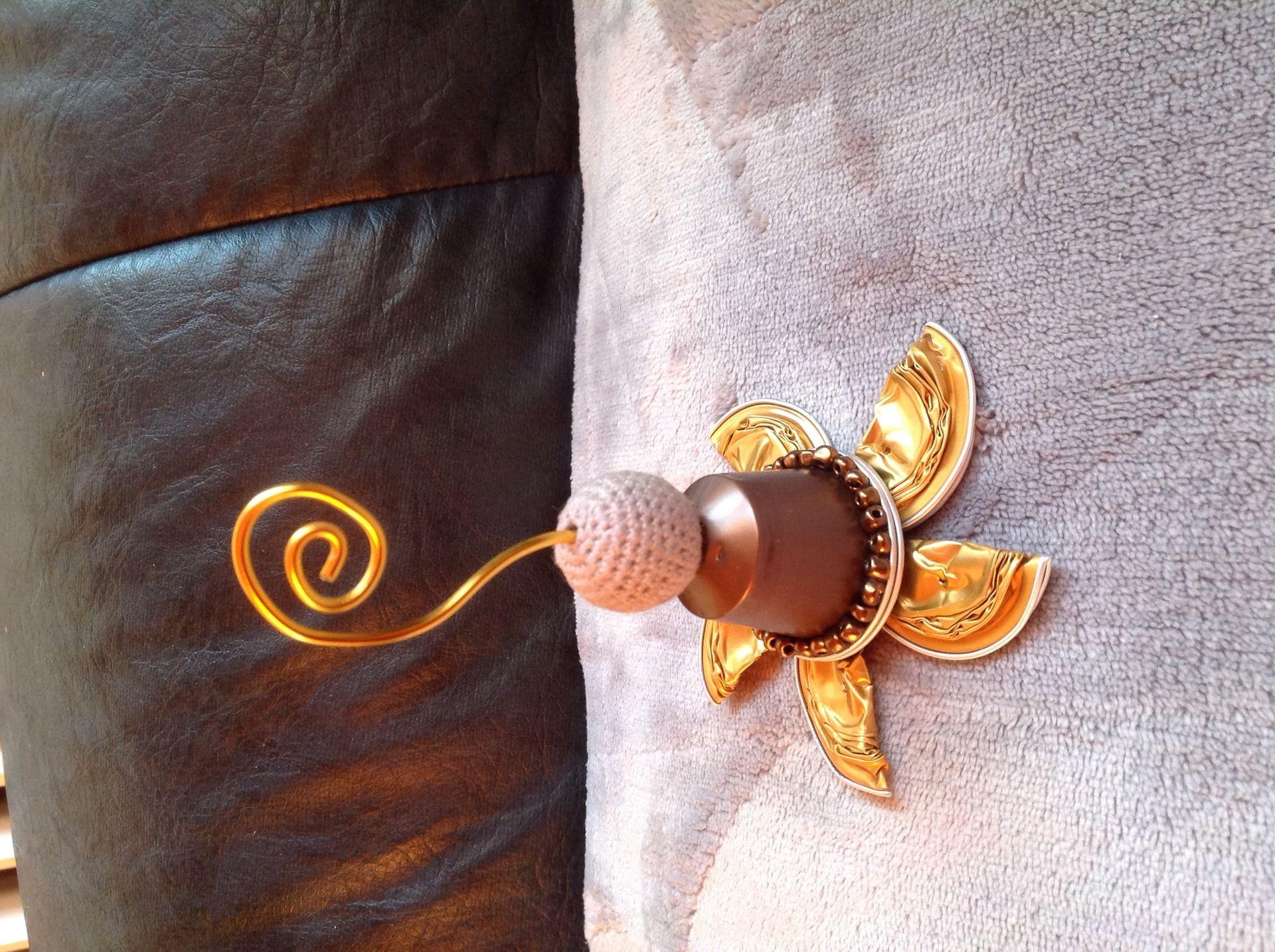 porte photo en capsules de caf nespresso accessoires pour bijoux par perrine bijoux capsule. Black Bedroom Furniture Sets. Home Design Ideas