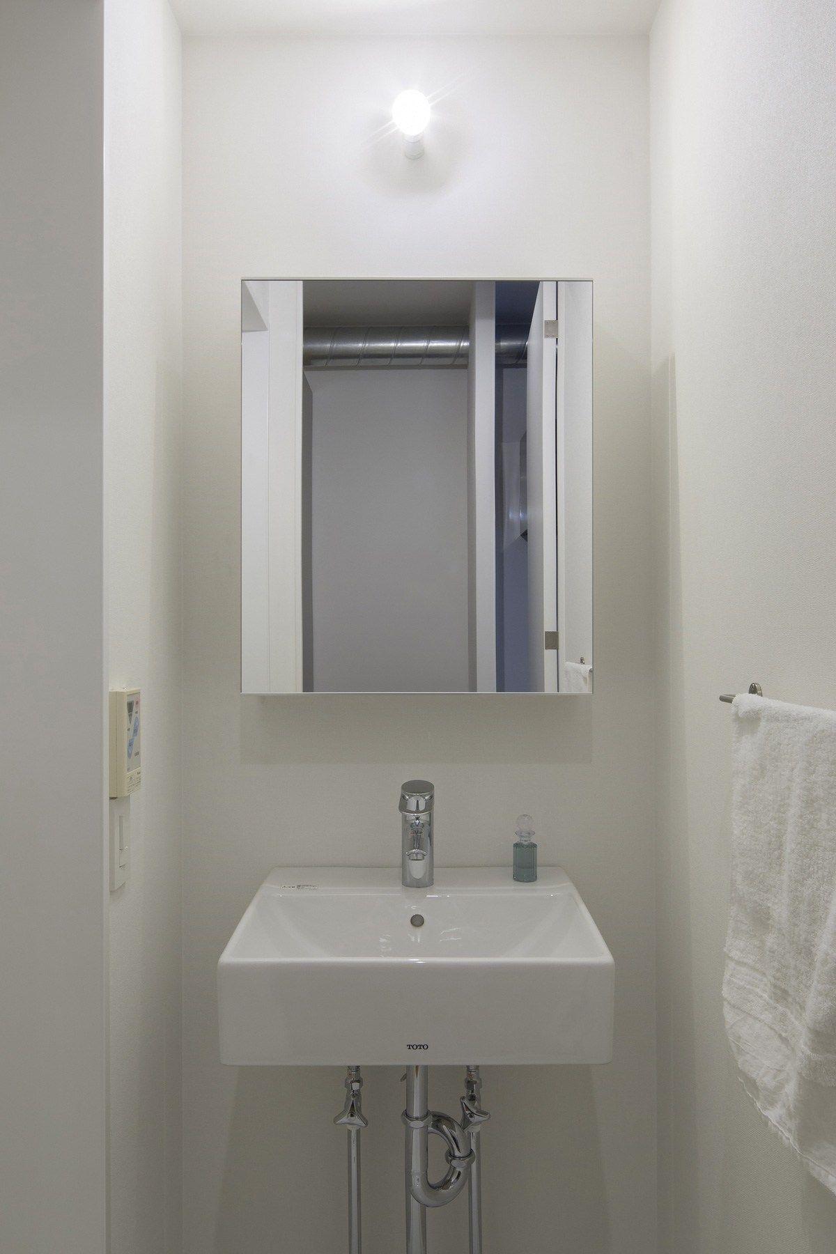 3点式ubを1216に変更し洗面脱衣室を確保 バスルームミラー 玄関