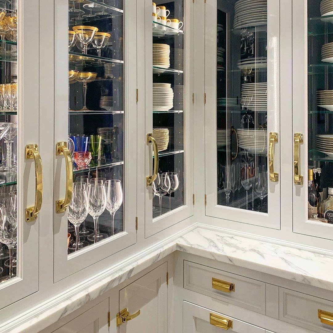 """@katierogue on Instagram: """"So much beautiful storage in this kitchen! 🤩 #katierogulski #kitchendesign #christopherpeacock #kitchen #whitekitchen #customkitchen…"""""""