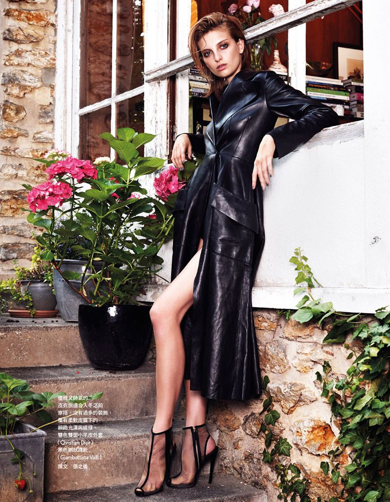 Morning After – The stunning Rose Smith plays a vixen in all black for the November issue of Vogue Taiwan. Photographed by Naomi Yang, the Australian model exudes pure seduction in leather and fur looks from the likes of Givenchy, Celine and Giambattista Valli. The sunny outdoor and domestic settings serve as somewhat of a contrast to Rose's dark looks.