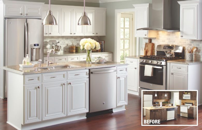 A Kitchen With Cabinets Refaced In A White Finish In 2020 Cost Of Kitchen Cabinets Kitchen Refacing Refacing Kitchen Cabinets