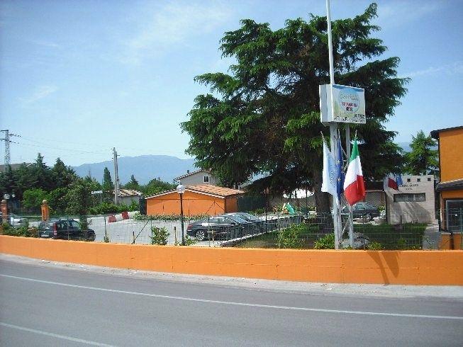 Il Cascina Garden Hotel *** è un albergo ove dormire in formula b&b a Campobasso in Molise ( Italia ) con 20,00€/persona in Quadrupla al Completo! Situato in Contrada Tappino, 61 86100 - Campobasso ( Molise - Italy ) è tra gli alberghi a Campobasso più tranquilli.  Tel: +39 087498024 - Mail: info@hotelcascina.it