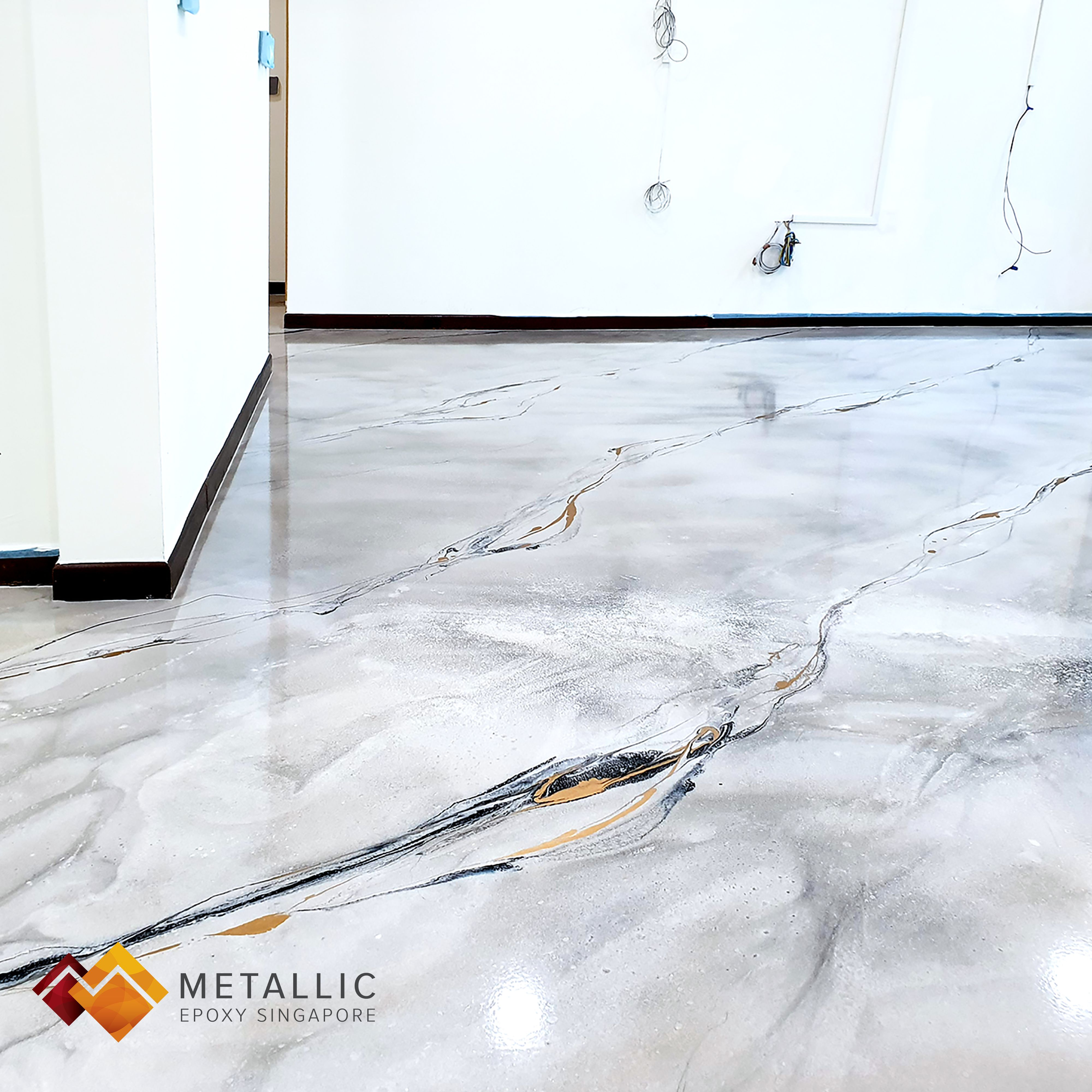An Elegant Marble Themed Floor Design Made With Gold And Black Veins On A Khaki Base Bringing Both Colour And Elegance To This Ho Floor Design Flooring Design
