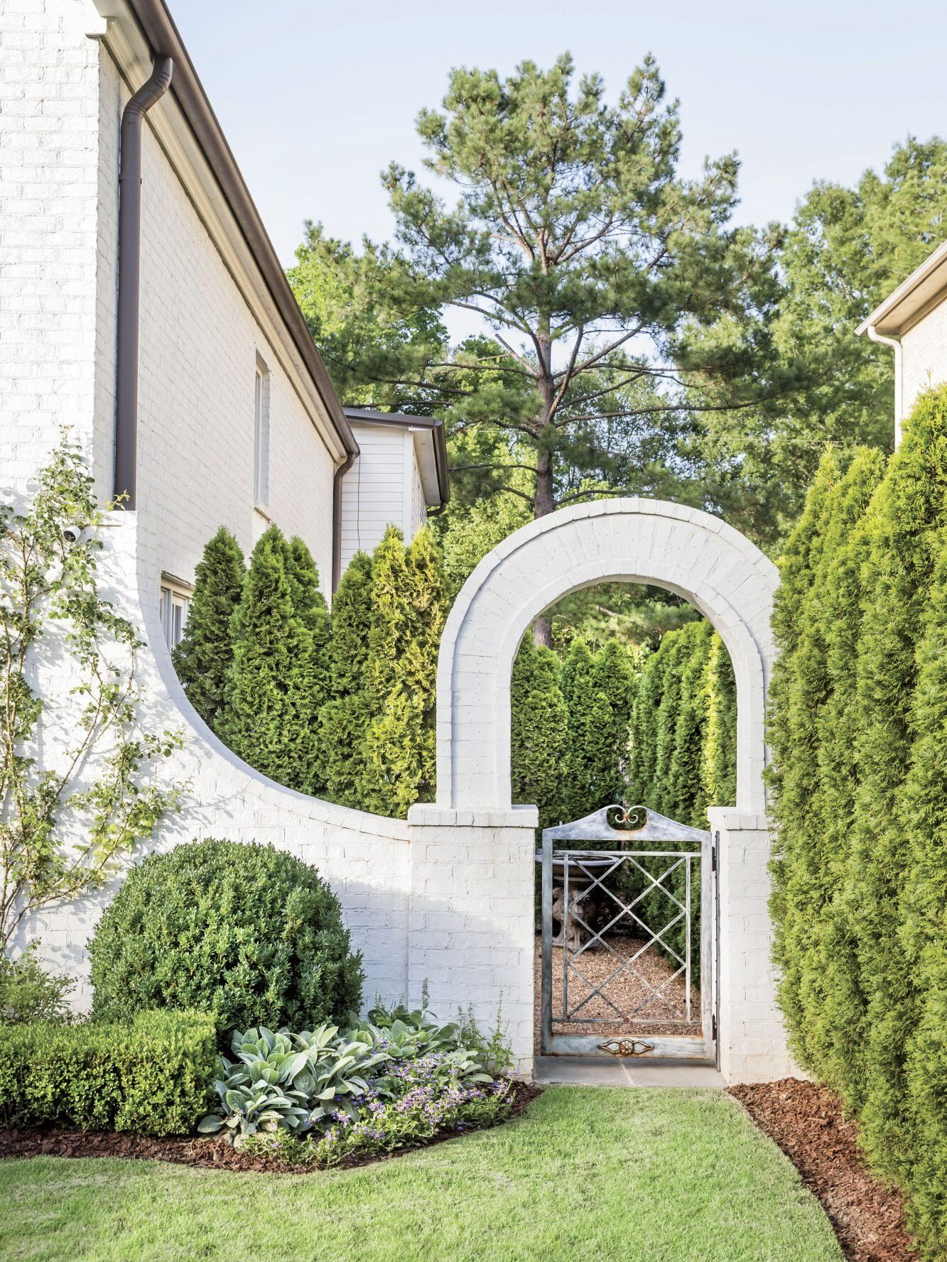How Landscaping Added Instant Charm To This New Birmingham Home Landscape Landscape Design Landscaping With Rocks