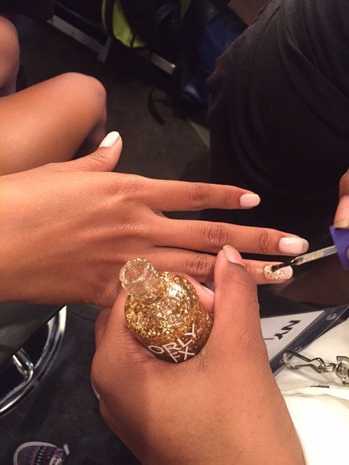 NYFW SS 2016: Glittery Accent Nails at Fashion Palette