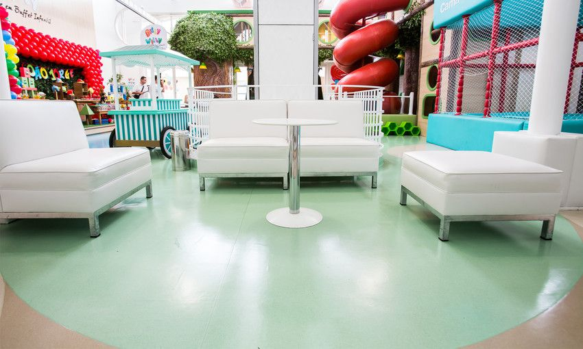With 6 designs and 85 colours! Our Taralay Premium Comfort #VinylFlooring has excellent shock absorption properties with a high acoustic performance (16dB) and safe underfoot cushioning.