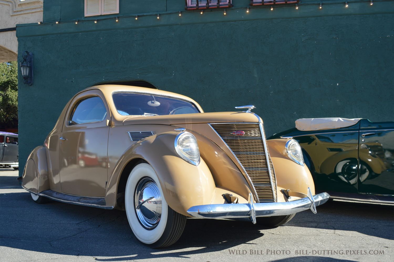 1936 Lincoln Zephyr V12 Coupe Presented At The Grand National