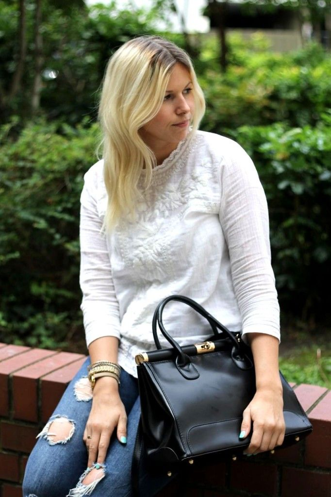 Zara destroyed Jeans meets H Blouse