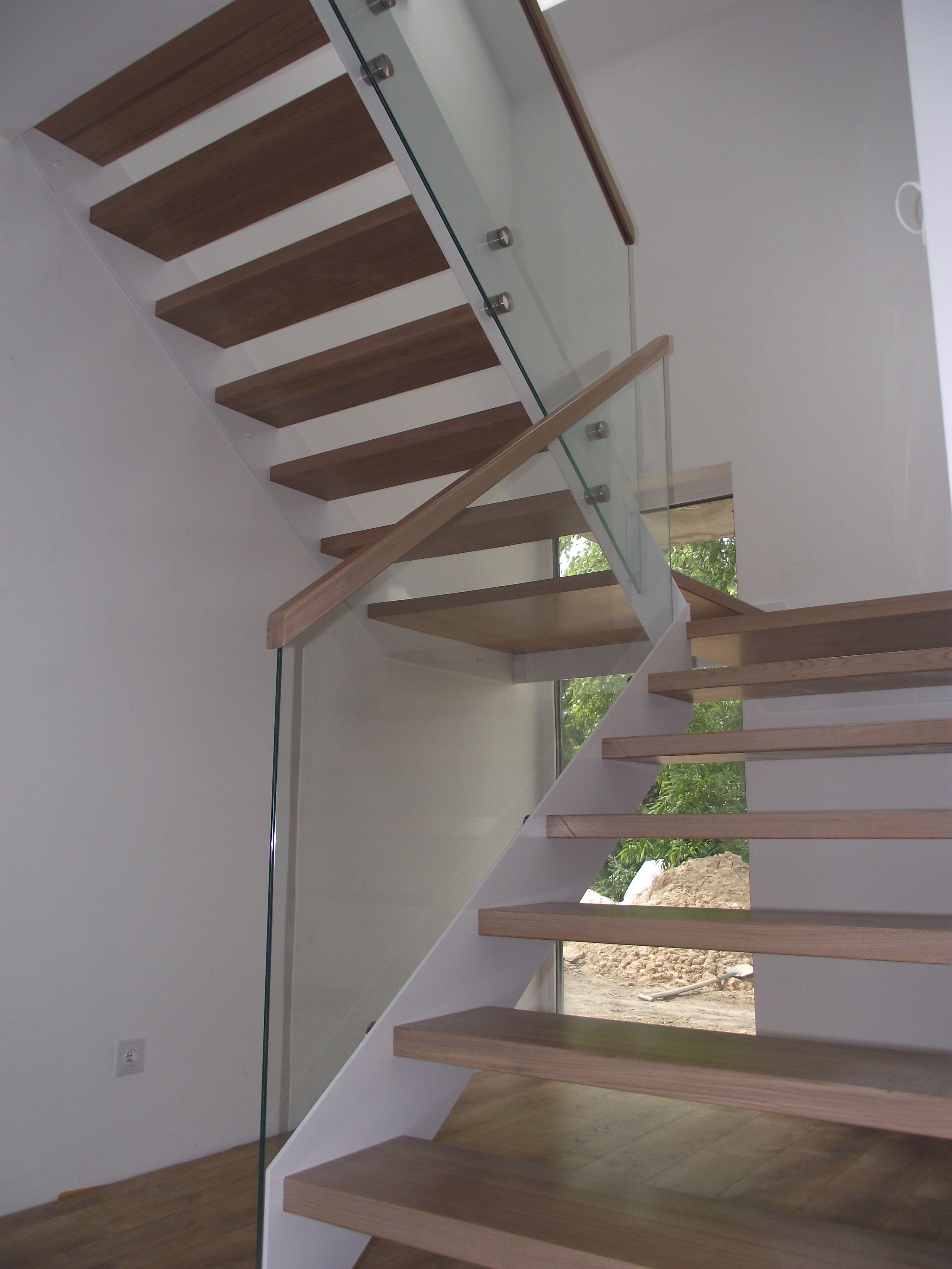 Schody Policzkowe Na Stalowej Konstrukcji Balustrada Szklo Hartowane Stairs Home Decor Home