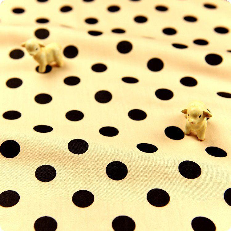 - Code: FQ1606-37- Colour:beige & black- Material: cotton- Sold by: pre-cut FQ (approx. 80x50cm)      ...