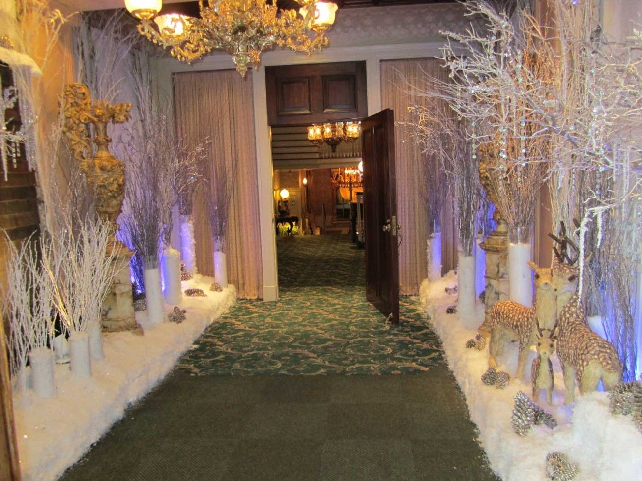 Amazing Party Decorating Idea and Awesome Dinner Party Decorating Ideas… | Christmas party ...