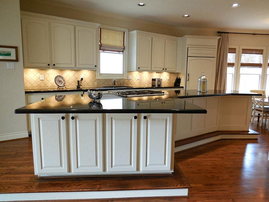 how to use space under bar counter - Google Search | Kitchen ...