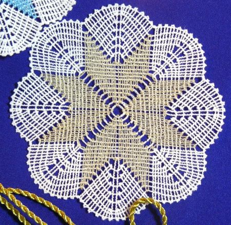 Advanced Embroidery Designs Battenberg Lace Doily Instructions On How To Embroider The Machine Machine Embroidery Christmas Embroidery Designs Crochet Carpet
