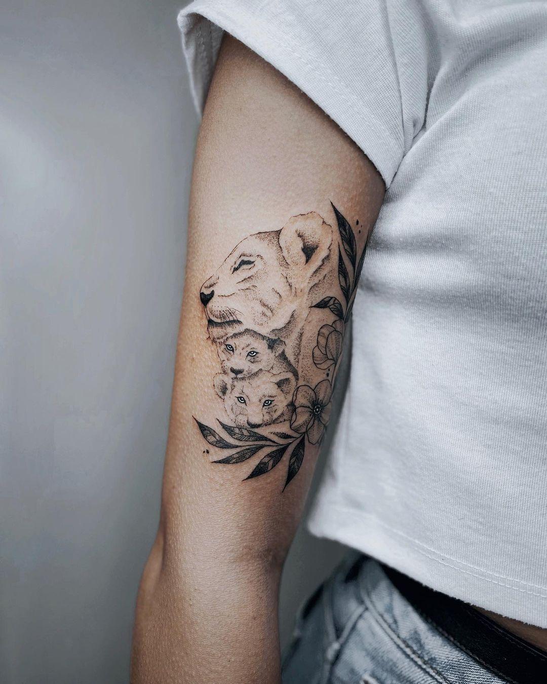 Photo of Tatuagem de leoa: 75 inspirações para se apaixonar e querer tatuar já