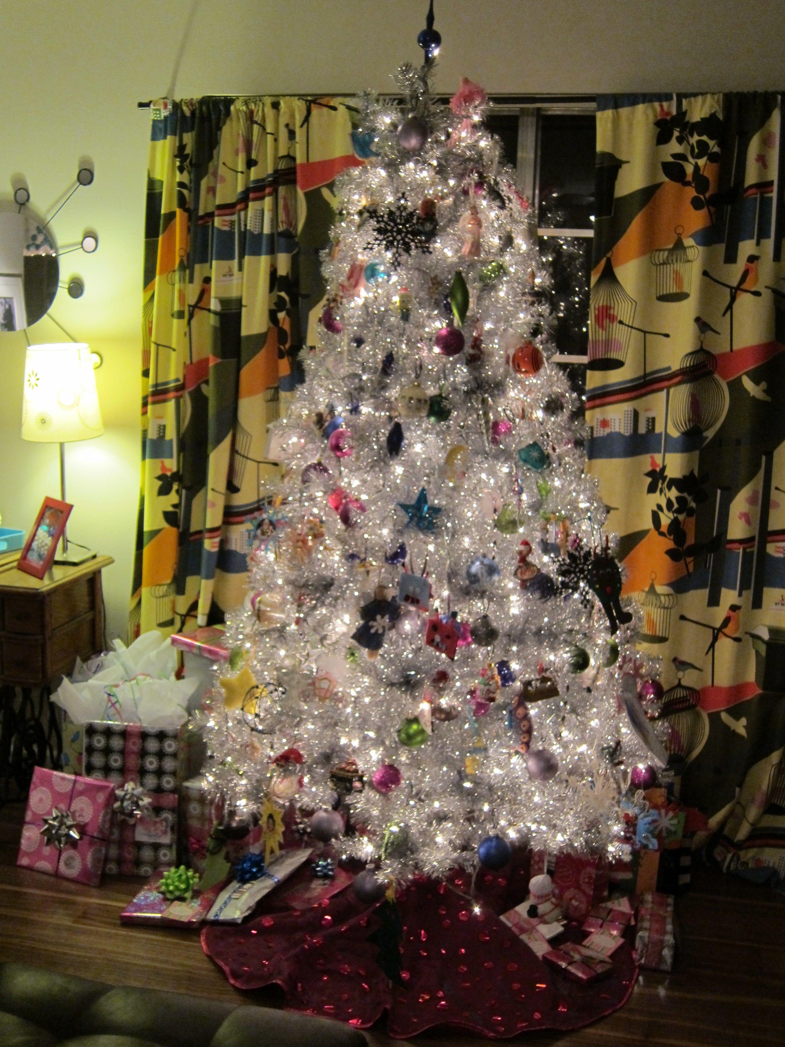 Tinselmania: 221 vintage aluminum Christmas trees   Retro ...