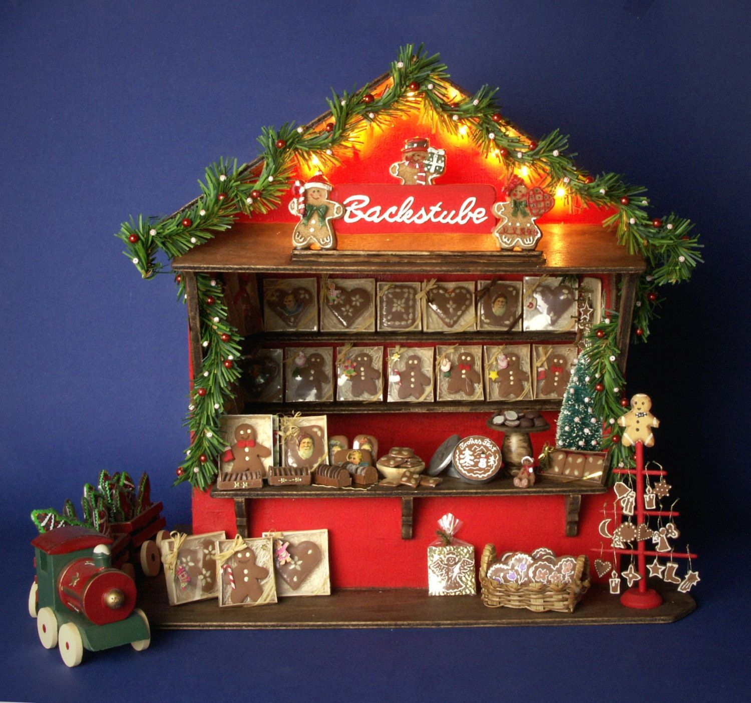 German Miniature Christmas Market Stall Gingerbread by