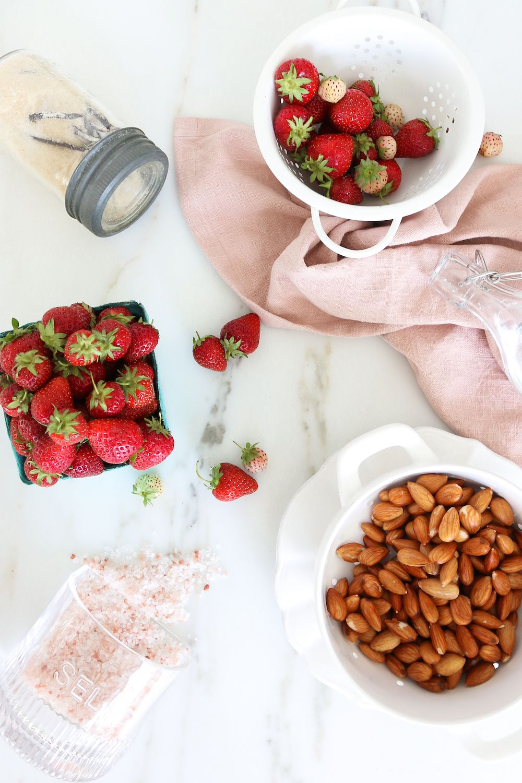 Home Made Strawberry Almond Milk Monika Hibbs tablesandfigures 테이블스앤피겨스 linen napkins pink