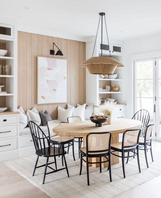 Associer le blanc et le bois dans la déco de la salle à manger