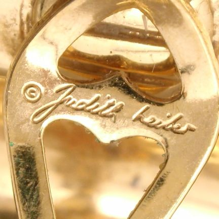 Judith Leiber   Antique jewelry, Vintage jewelry