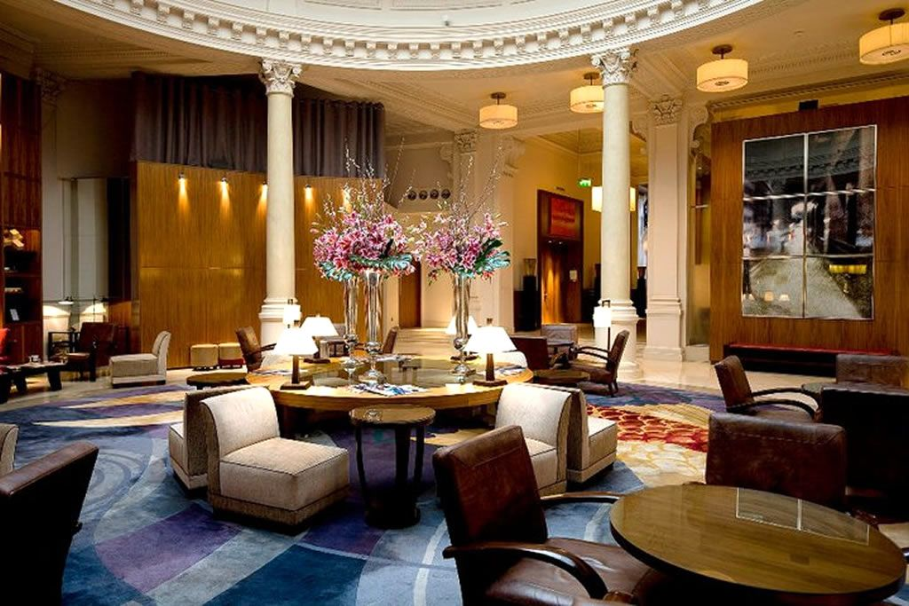 Lobby lounge hospitality interior design of threadneedles for Hotel decor items