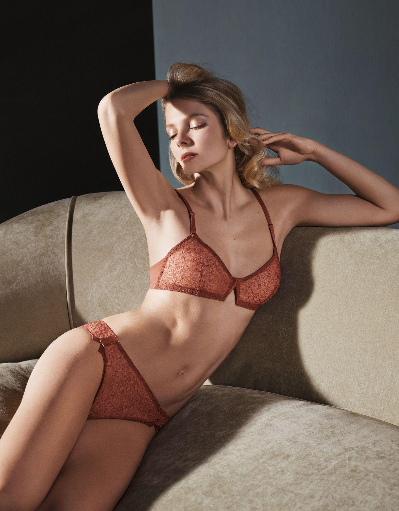 Eniko mihalik sexy 2 new photos new pics