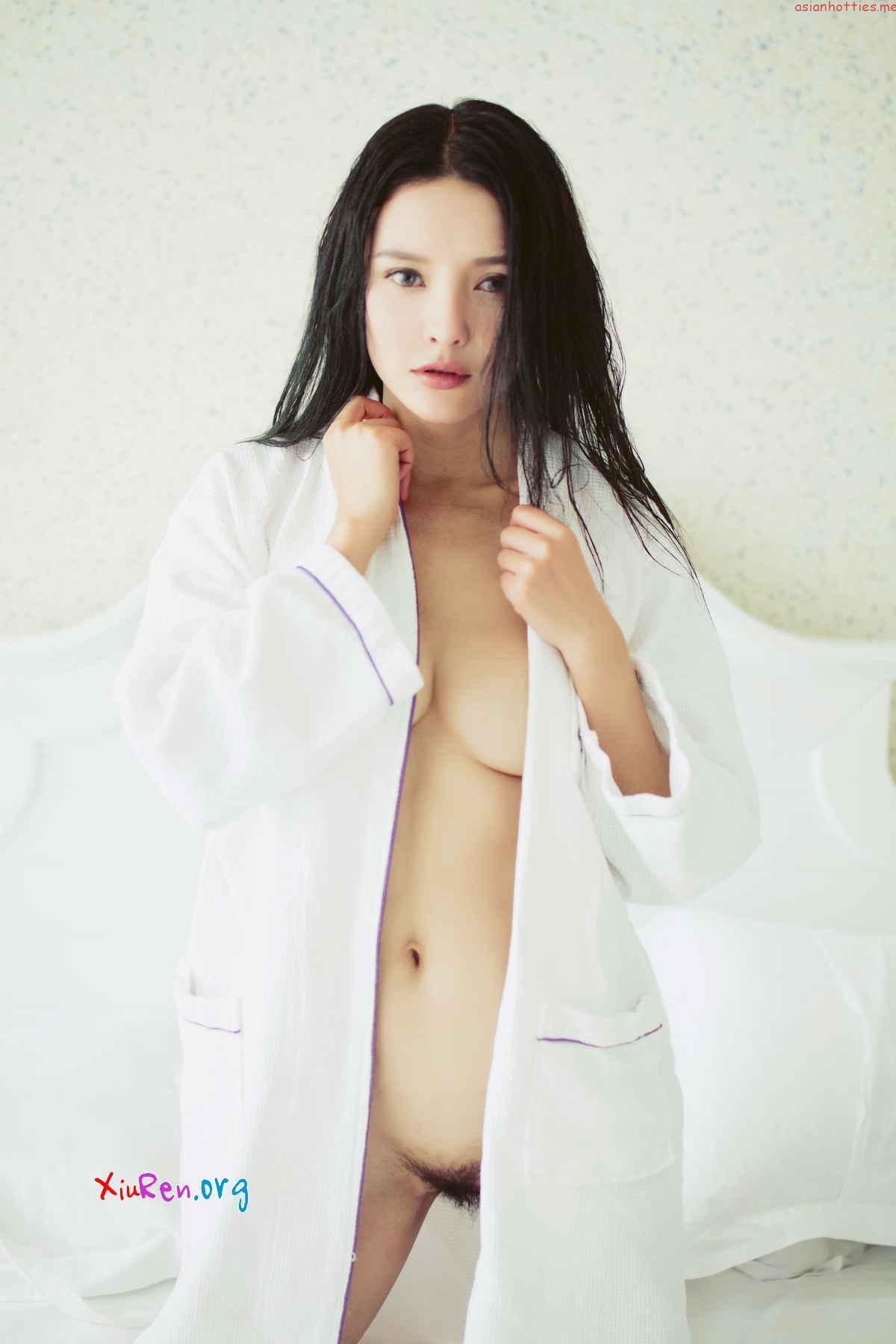 Cherry Beautiful Chinese Girls Nude Private Bath