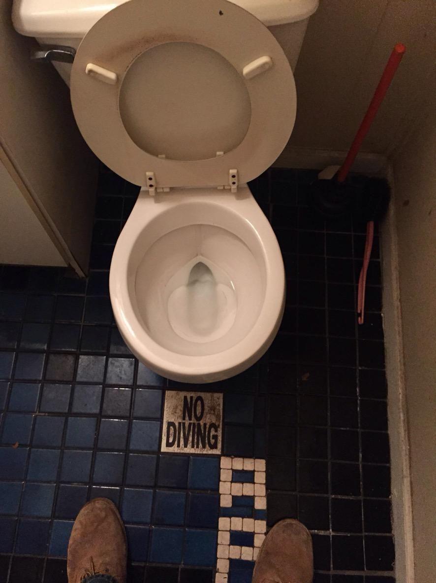 Приколы картинки с туалетом