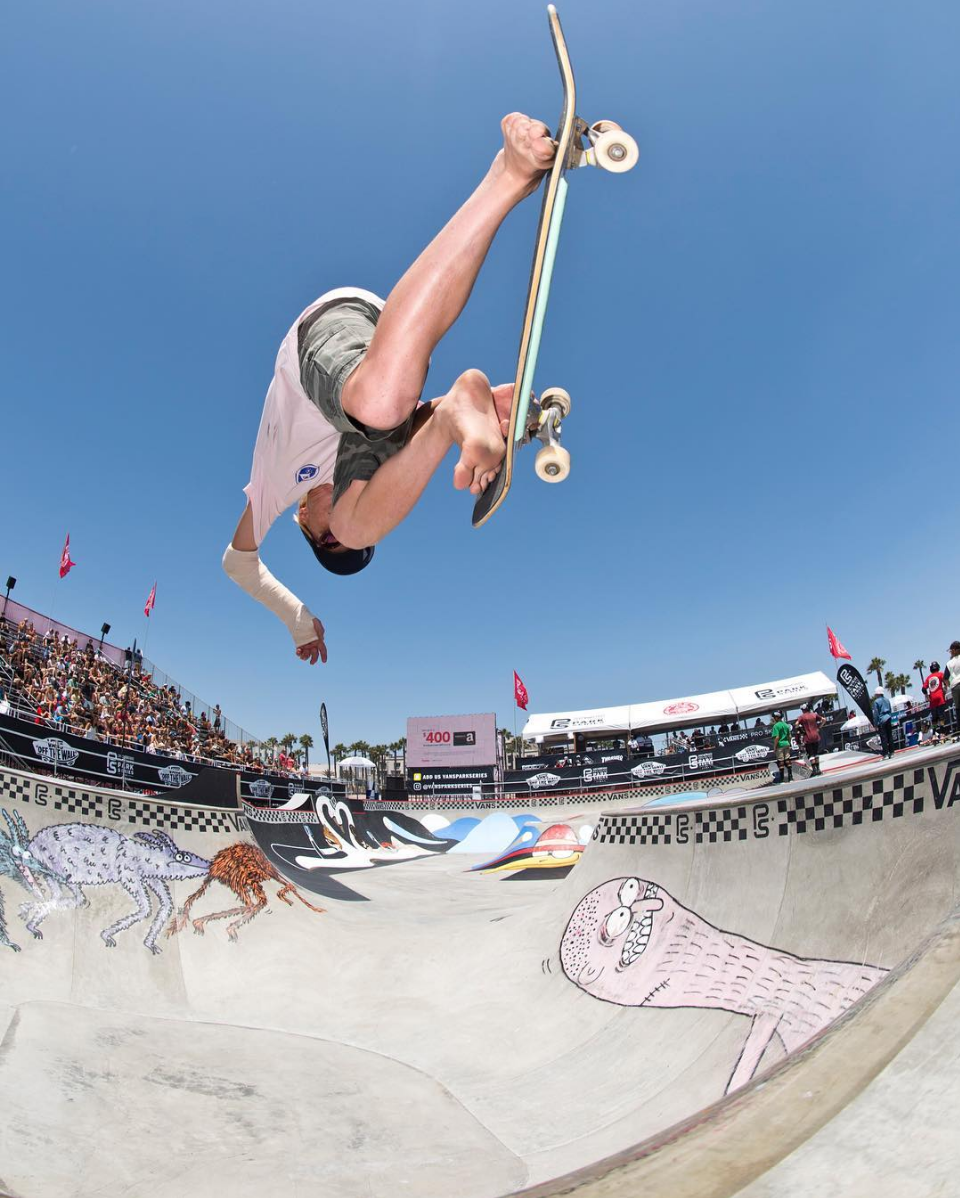 Barefoot and broken, flow bro Roman Pabich takes flight at Juniors event despite his broken wing at the Vans Park Series park at the Vans US Open in Huntington Beach, CA.