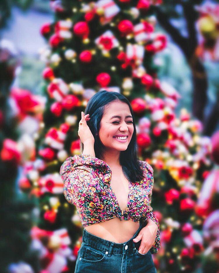 Mishty In 2020 Glamour Photo Neha Kakkar Glamour