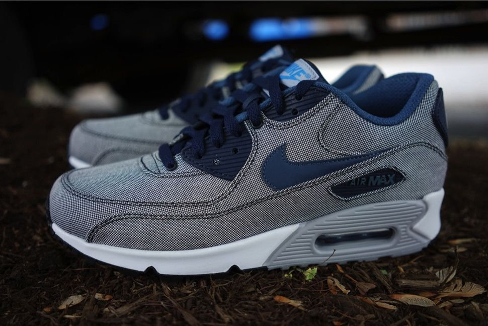Available in Europe: Nike Air Max 90 Premium