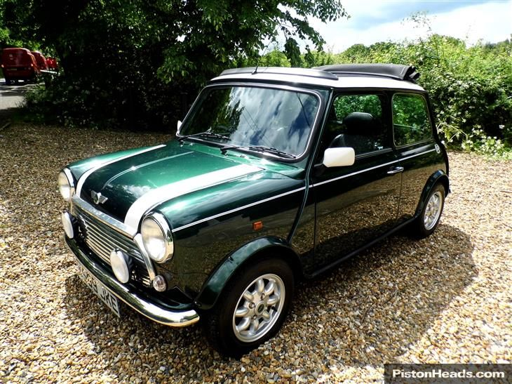 Used Rover Mini Cooper In British Racing Green With For Sale Classic Sports Car Rover Mini Cooper British Racing Green Mini Cooper