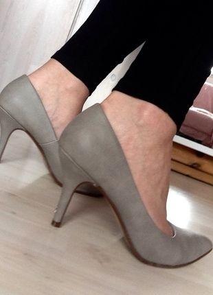 a9dacf566b Pin von Lisa P. auf KleiderKreisel | Hohe schuhe, Schuhe damen und  Damenschuhe