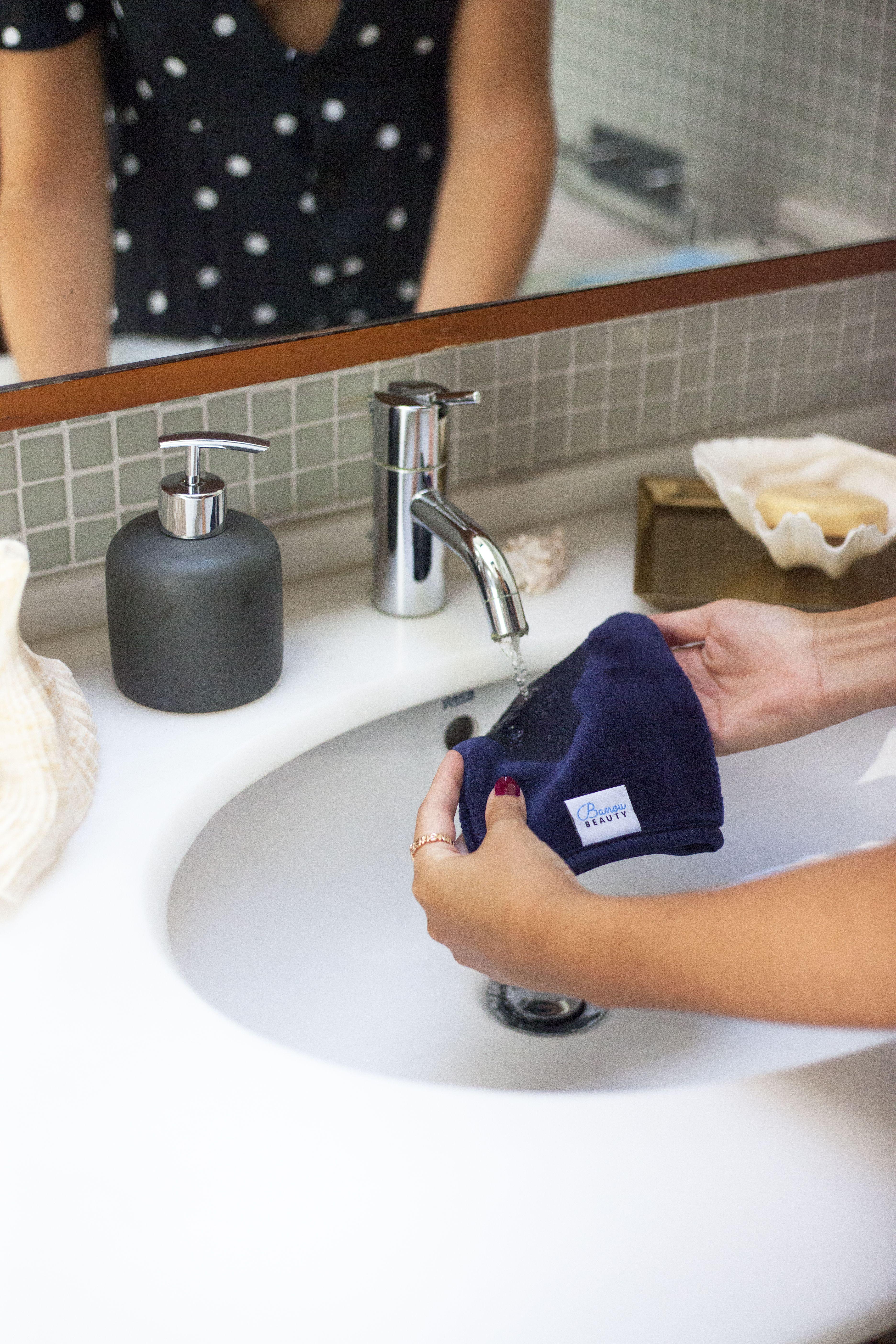 Skin Glove Wet, wipe, reuse! Free makeup, Makeup