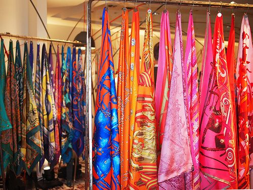 Pin By Sarah Wilber On Craft Show Displays Scarf Display Scarves Store