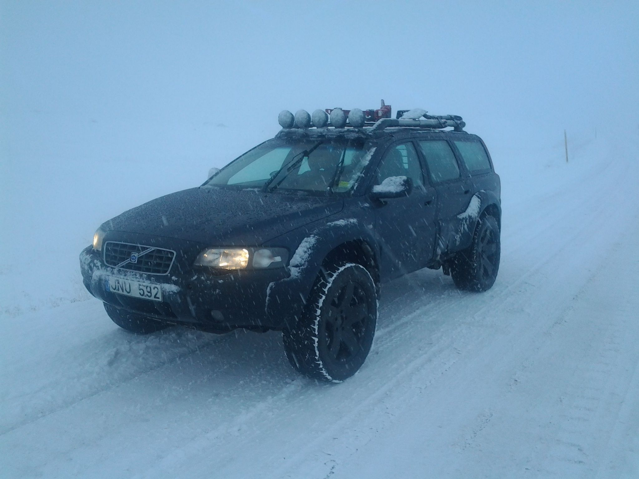 Volvo XC70 Lifted in Iceland