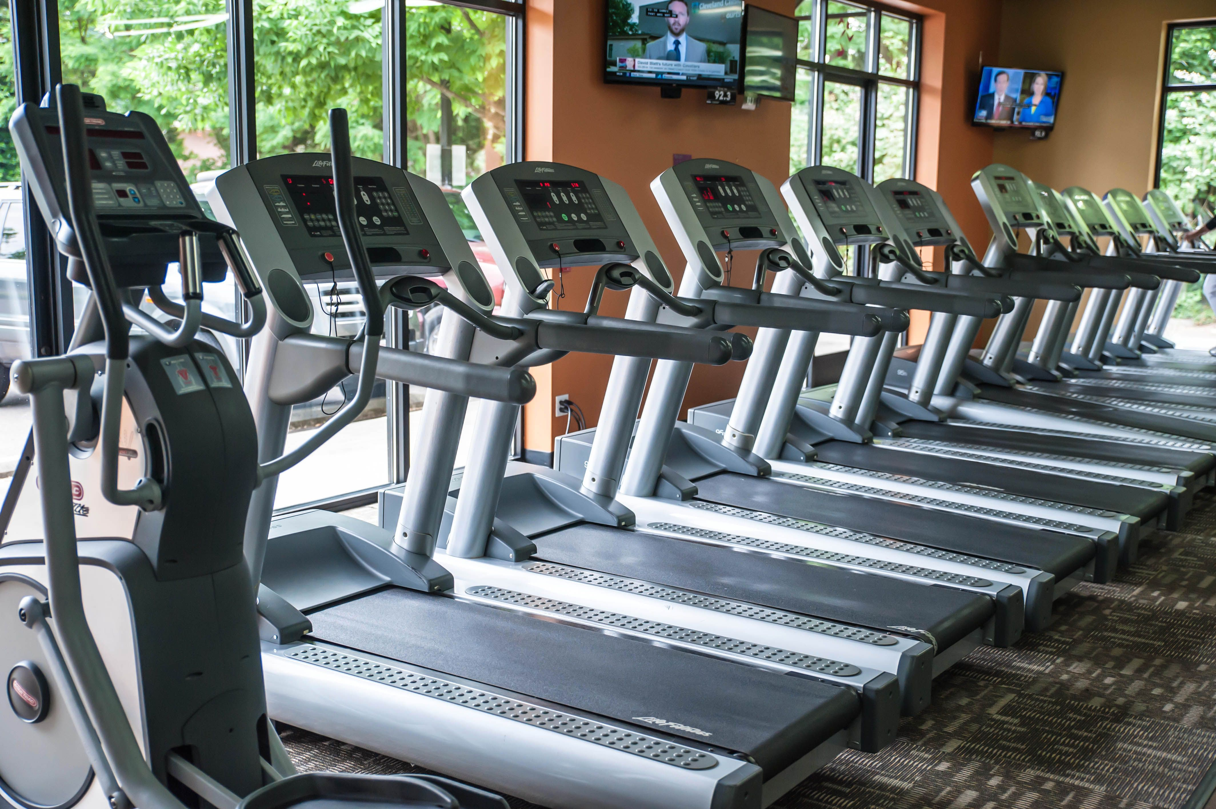 Welcome To Your Neighborhood 24 Hour Gym In Tumwater Whether You Re A Beginner Or A Fitness Regular We Ll Help You Ge Anytime Fitness Gym Gym Anytime Fitness
